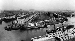Manchester docks - Manchester Dock 9 (top left) at the beginning of the 20th century. Dock 8 is to the right, and the ship canal is in the foreground.