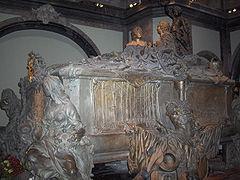 Sochařský náhrobek Marie Terezie a Františka I. Štěpána Lotrinského v Kaisergruft ve Vídni