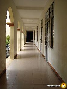 Marie Curie High School - Wikipedia