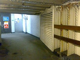 Mark Lane tube station - Image: Mark Lane Subway 2