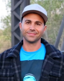 Mark Rober profile picture (cropped).png