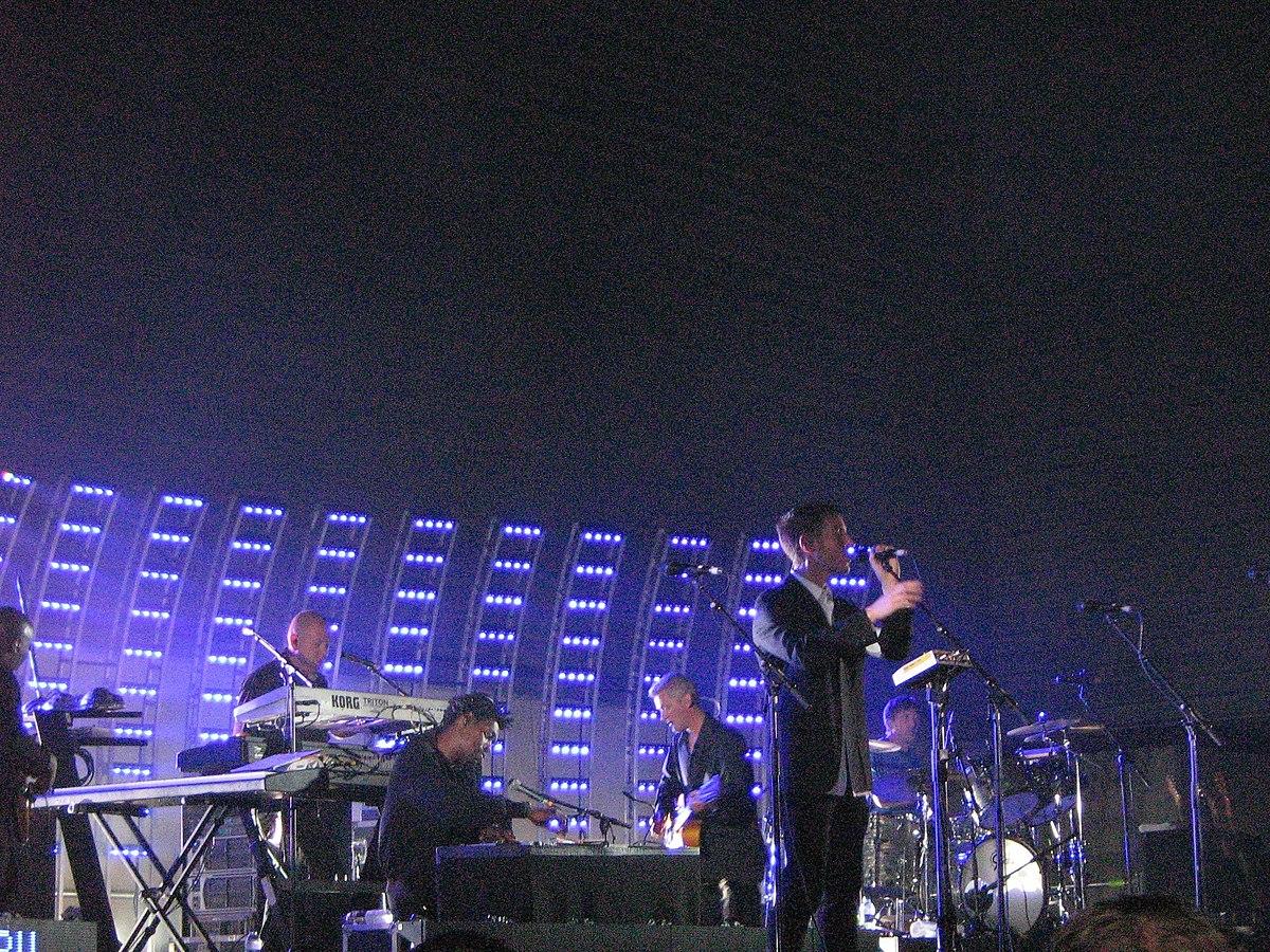Massive Attack* Massive - Massive Club