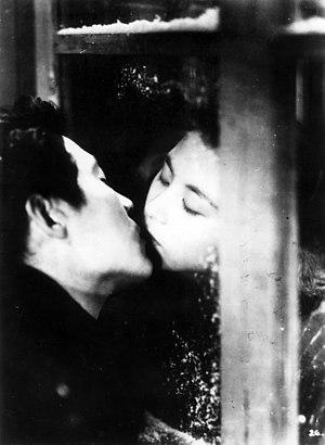 Until We Meet Again (film) - Yoshiko Kuga and Eiji Okada in the film Until We Meet Again (1950)