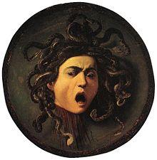 Médaillon représentant la tête d'une femme dont la chevelure est faite de serpents.