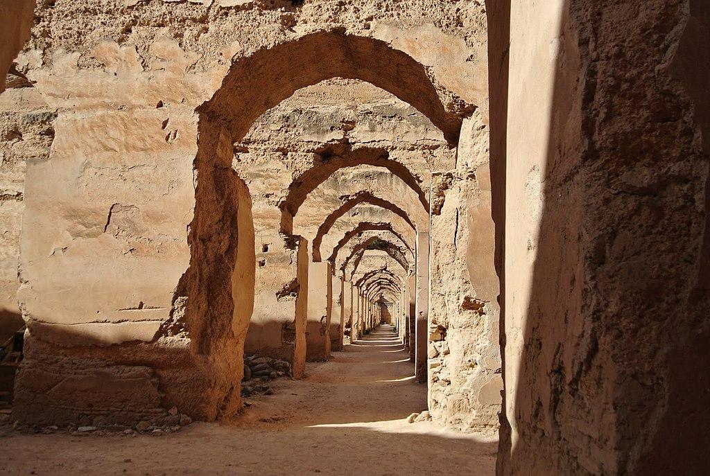 Ruine des écuries royales de Meknès. Photo de Ben Bender