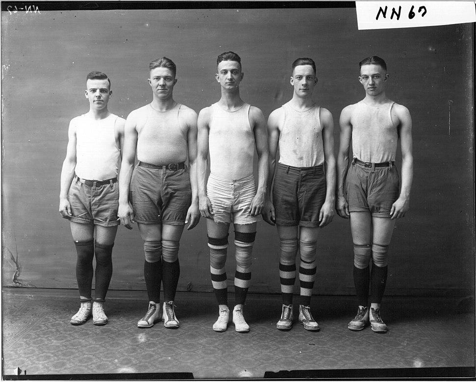 Miami University basketball team in 1917 (3199633017)