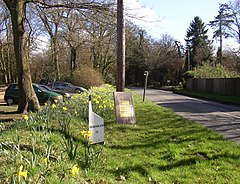 Milestone on the B2130, Winkworth, Busbridge - geograph.org.uk - 148737.jpg