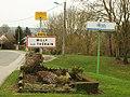 Milly-sur-Thérain-FR-60-panneau d'agglomération-01.jpg