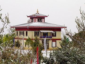 Templo budista en Panillo en ARagón