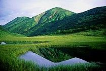 Mount Hiuchi from Tengunoniwa 1998-7-19.jpg