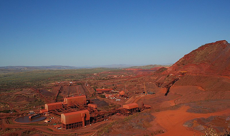 Datei:Mount Tom Price mine, September 2006.jpg