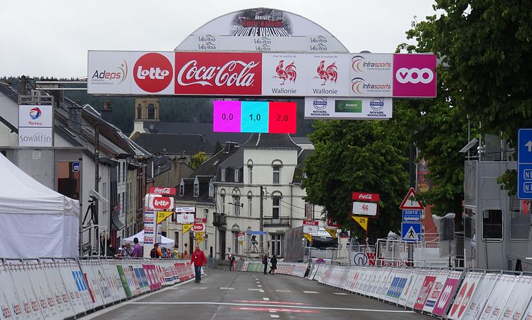 Neufchâteau - Tour de Wallonie, étape 3, 28 juillet 2014, arrivée (A01).JPG