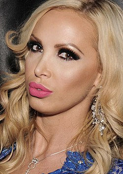 Nikki Benz, 2014 (cropped).jpg