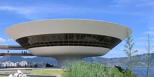 Muse de Arte Contemporânea 500px-Niteroi_Museu_de_Arte_Contemporanea_2005-03-15