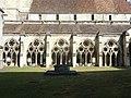 Noyon (60), cathédrale Notre-Dame, cloître, galerie ouest, vue depuis l'est 4.jpg