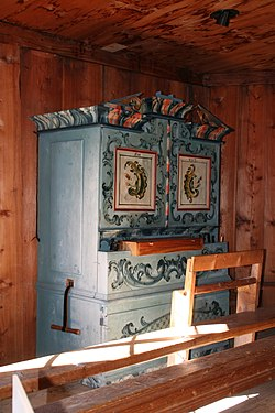 Obermutten Kirche Orgel.jpg