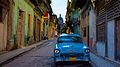 Old American car in Havanna.jpg