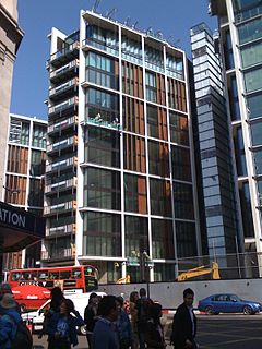 One Hyde Park under construction in May 2010.JPG