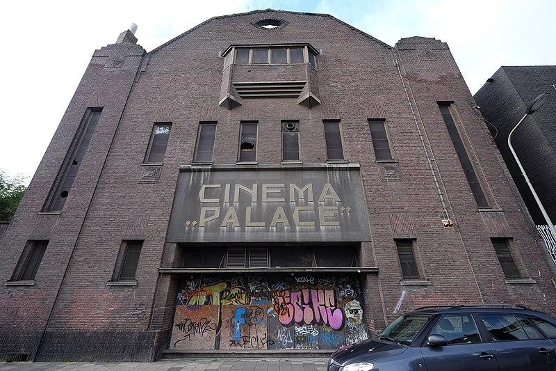 File:Palace, Lage Barakken, Wyck-Maastricht, Netherlands - panoramio (25).jpg