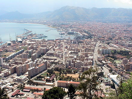 The city of Palermo in 2005 Palermo panorama.JPG