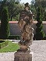Paradyż, ogrody klasztorne. Św. Marcin z Tours jako legionista na koniu, dający część swojego płaszcza biedakowi..jpg