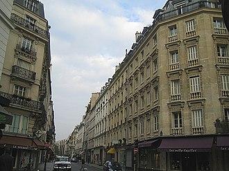 Rambuteau (Paris Métro) - Image: Paris rue rambuteau