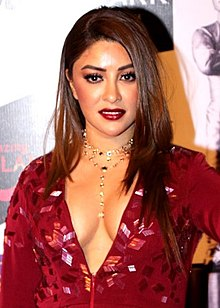 Payal Ghosh graces the Topgear awards.jpg