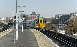 Peckham Rye railway station MMB 13 455842.jpg
