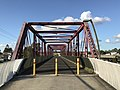 Pedestrian bridge across Logan River, Loganholme, Queensland 02.jpg