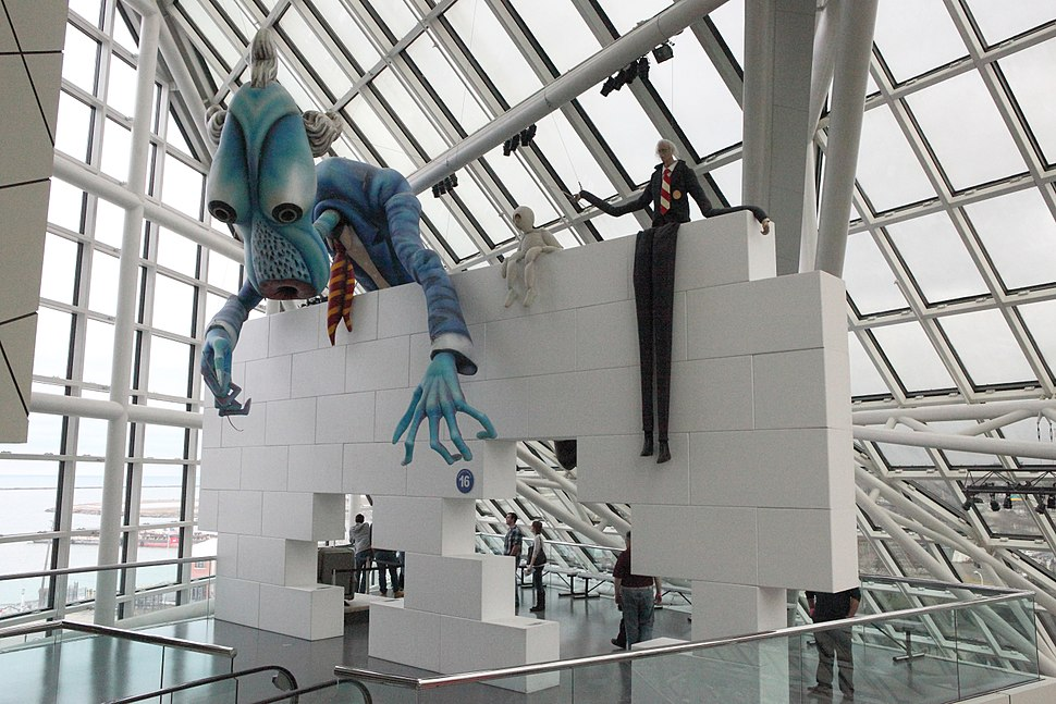 Pink Floyd The Wall - Rock and Roll Hall of Fame (2014-12-30 15.20.43 by Sam Howzit)
