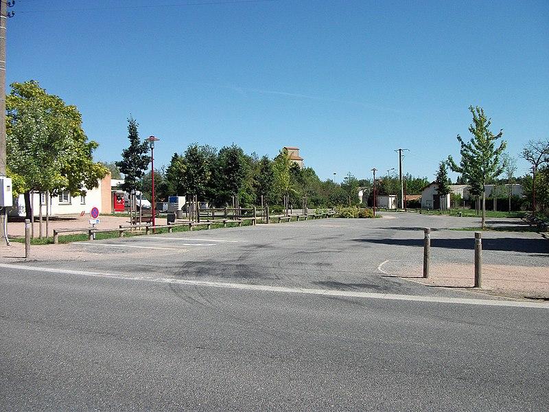 Place de la Mairie in Magnet, Allier [8875]