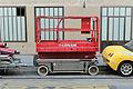 Plateforme élévatrice rouge 01.jpg