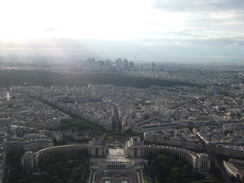 Soubor:Pohled z Eiffelovy věže na severo - západ.JPG