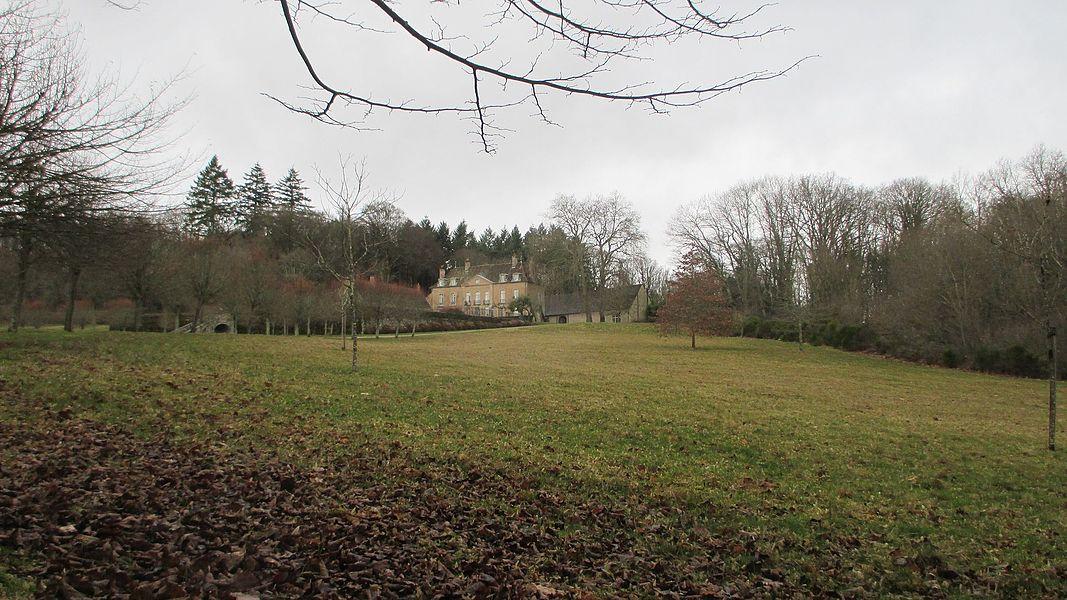 Château de Villette de Poil (Nièvre, France).