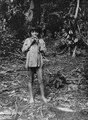 Pojke som blåser i en visselpipa av vax. Veraguas. Panama - SMVK - 004290.tif