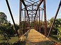 Ponte Metálica de Guatapará, construída em 1901 pela Phoenix Brigde Co - USA. em Phoenixville, Pennsylvania. A ponte ligava os ramais da Ferrovia Paulista. - panoramio.jpg