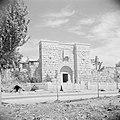 Poort 'Bab Kisan' een van de stadspoorten in de stadsmuur, Bestanddeelnr 255-5857.jpg