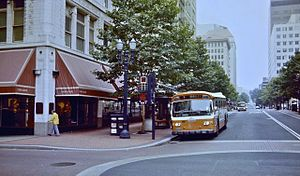 Meier & Frank Building - Image: Portland Mall in 1982 with bus on 6th Ave next to Meier & Frank