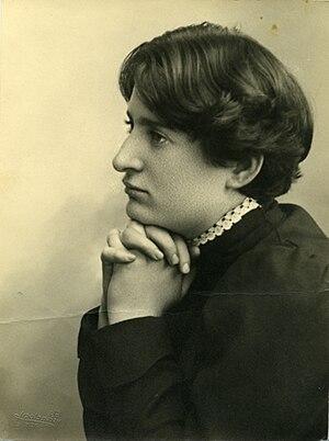 Chana Orloff - Chana Orloff. Photo by Avraham Soskin, from Gabriel Talphir Archive, The Information Center for Israeli Art, Israel Museum, Jerusalem