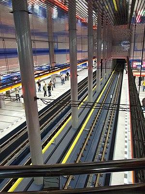 Prosek (Prague Metro) - Platforms