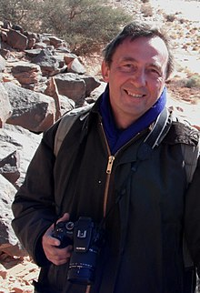 Professor Robert Foley,Wadi Mathendous, January 2011.jpg