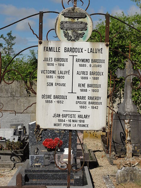Prouvais (Aisne) cimetière plaque Jean-Baptiste Halary mort pour la France