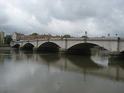 Putney Bridge from Wandsworth.jpg