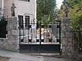 Putto decorated gate, 5 Szirtes ut, 2016 Gellerthegy.jpg