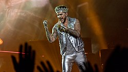 Queen And Adam Lambert - The O2 - Tuesday 12th December 2017 QueenO2121217-73 (26092178148).jpg
