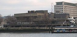 Queen Elizabeth Hall.jpg