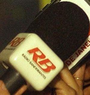 Rádio Bandeirantes - Image: Radio Bandeirantes Microfone