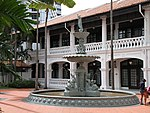 Raffles Hotel Fountain (31354178803).jpg
