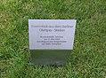 Rasenstück aus dem Berliner Olympiastadion im Kanzlergarten.jpg