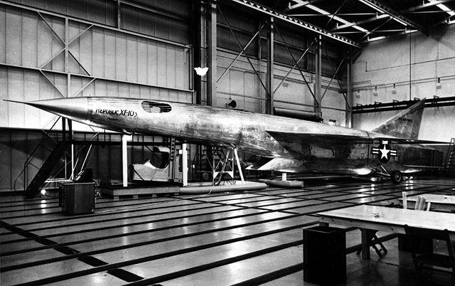 Ouvre boîte Republic XF-103 Thunderwarrior [Anigrand 1/72] 640px-Republic_XF-103_mock-up